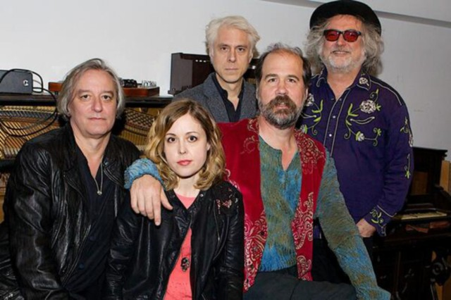 Krist Novoselic Super-Earth Peter Buck Corin Tucker REM