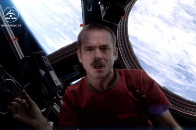 "Chris Hadfield, David Bowie, ""Space Oddity,"" video, Canadian astronaut, Major Tom"