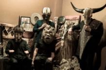 Tuatara Peter Buck 'Snakecharmer' Stream REM