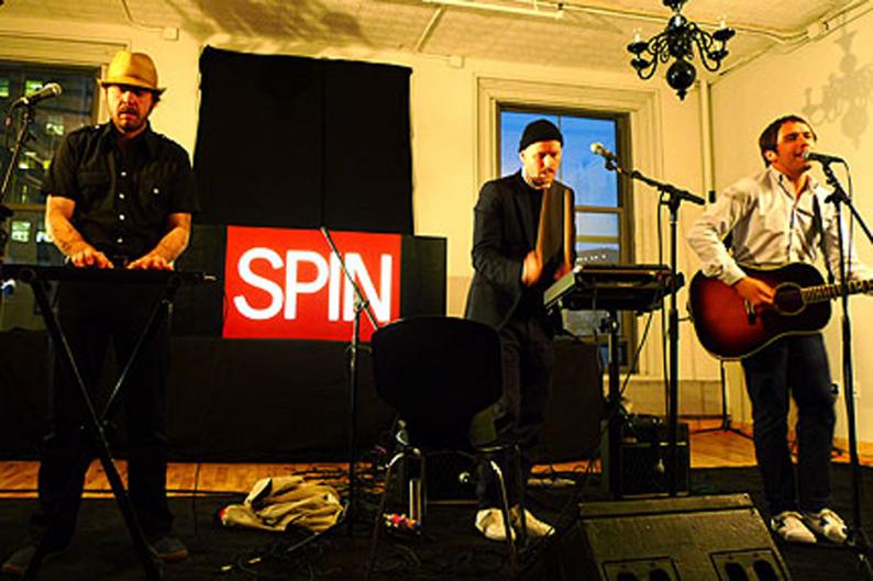 Peter, Bjorn and John / Photo by Adam Mignanelli