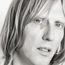 Ex-Hole Guitarist Eric Erlandson: 'I Still Love Courtney'