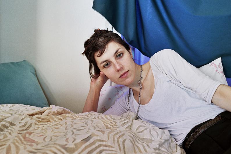 Julia Holter / Photo by Ye Rin Mok