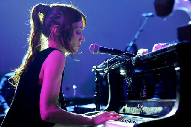 Fiona Apple / Photo by Tim Mosenfelder/Getty