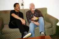 Lionel Richie and Kenny Rogers Hang in a Tent, Recall the Birth of 'Lady'