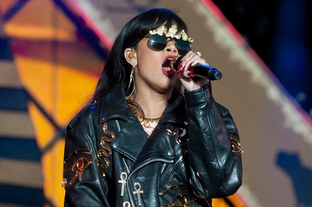 Rihanna / Photo by Neil Lupin/Redferns via Getty