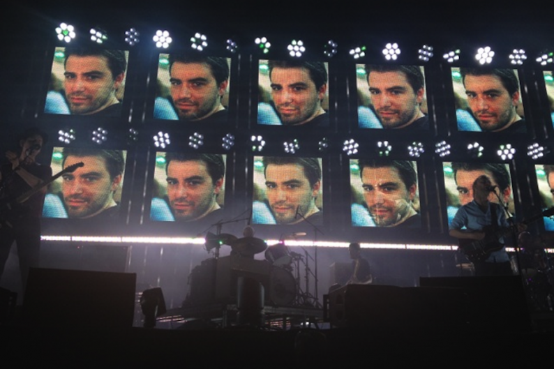 """Radiohead onstage in France / Photo by <a href=""""https://twitter.com/fittr_happier/status/222809834309947392/photo/1/large"""" Target=""""blank"""">fittr_happier</a>"""