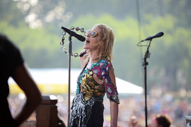 Metric / Photo by Dave Mead
