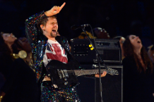 Matthew Bellamy performs at the Olympic closing ceremony / Photo by Getty Images