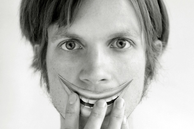 Beck in June 2002 / Photo by Uli Heckmann/Corbis