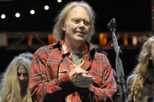 neil young twitter responses