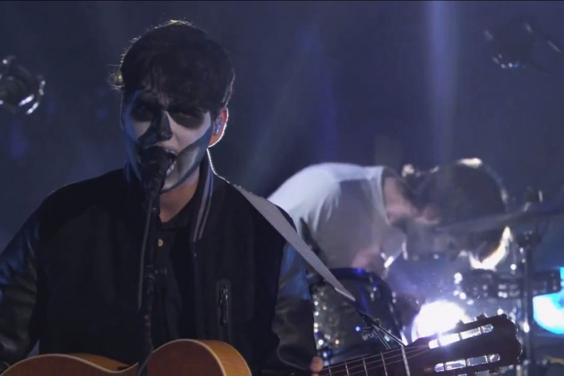 Vampire Weekend Spook Unbelievers With Jaunty New Song On Kimmel