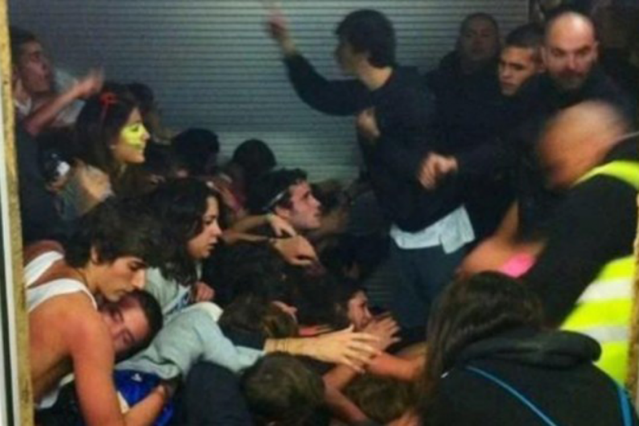 Crowd crush at Madrid's Thriller Music Park (photo: Estefanía Sa / El País)