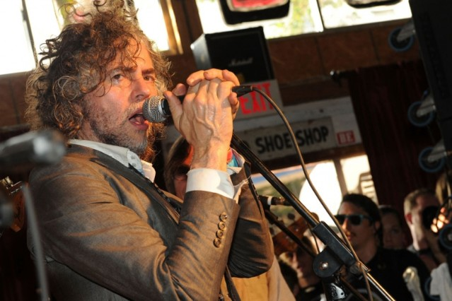wayne coyne, flaming lips, oklahoma city airport