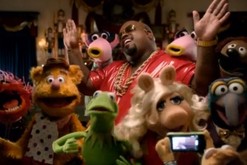 Let Cee Lo Green S Muppets Christmas Video Thaw Your Cold