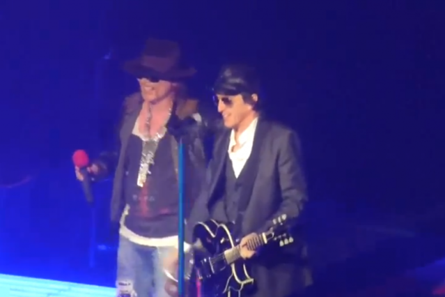 Guns N' Roses Axl Rose and Izzy Stradlin