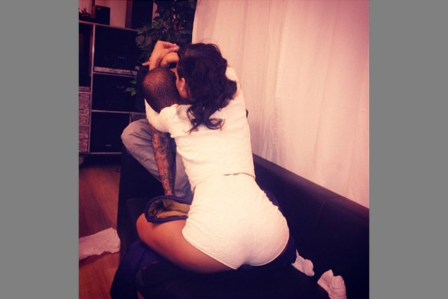 rihanna chris brown instagram hug