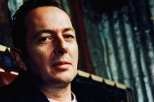 Joe Strummer in 1999 / Photo by Isabel Snyder/Corbis
