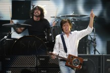 Dave Grohl and Paul McCartney / Photo by Getty Images