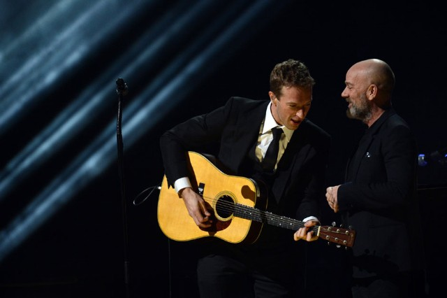 Chris Martin and Michael Stipe / Photo by Getty Images