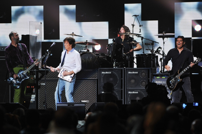 Kanye West Nirvana Paul MccCartney 12-12-12 Sandy Concert Album