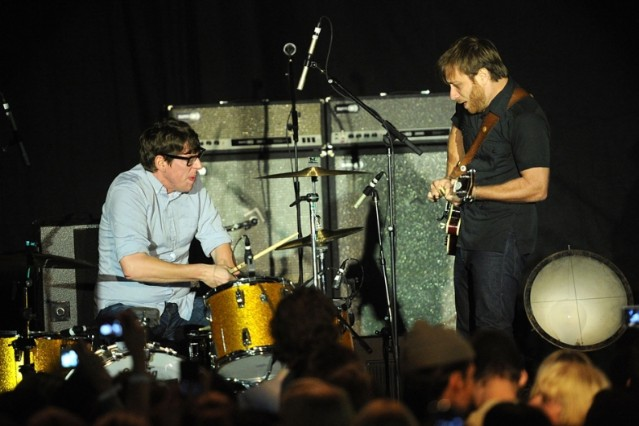 the black keys sue casino lawsuit howlin for you soundalike sync