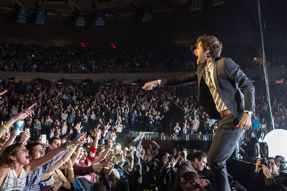 See Passion Pit Bring Indie Spirit To Madison Square Garden Spin