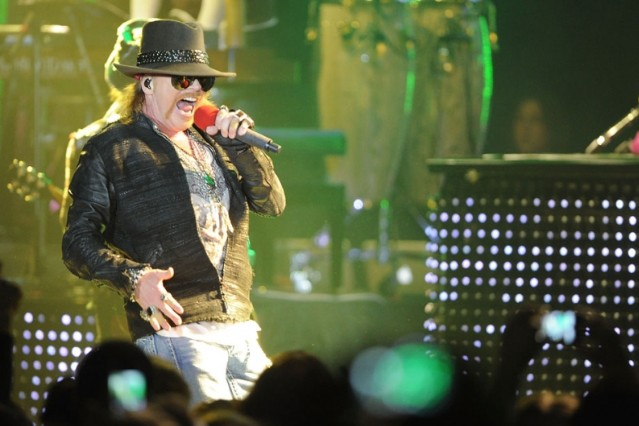 axl rose, guitar hero, lawsuit