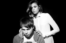 AlunaGeorge 'Attracting Flies' Body Music