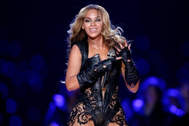 Beyonce FCC Super Bowl Halftime Show Complaints Crotch