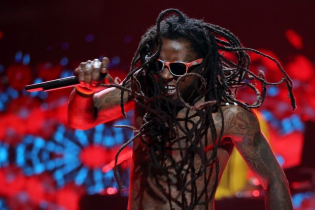 Lil Wayne Stable, Out of ICU, Could Go Home