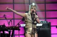 Hear Little Boots' Looping 'Broken Record'