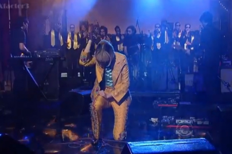Yeah Yeah Yeahs and Awesome Choir Director Bring 'Sacrilege' to 'Letterman'