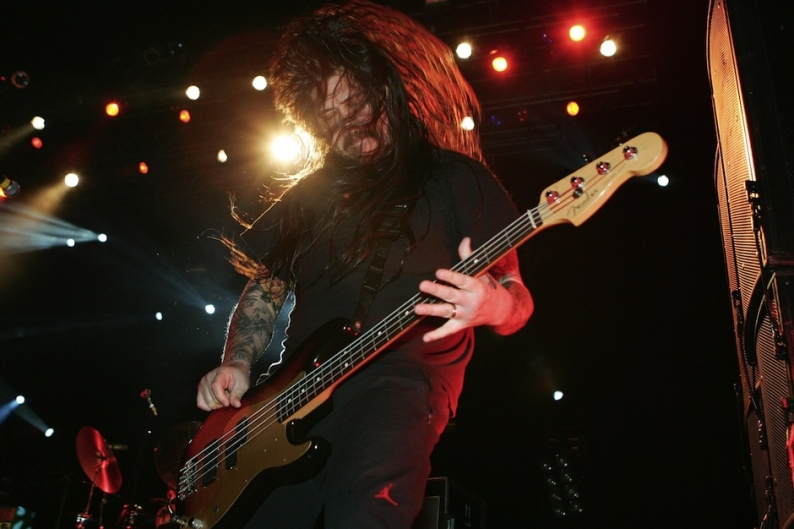 founding deftones bassist chi cheng 42 passes away spin