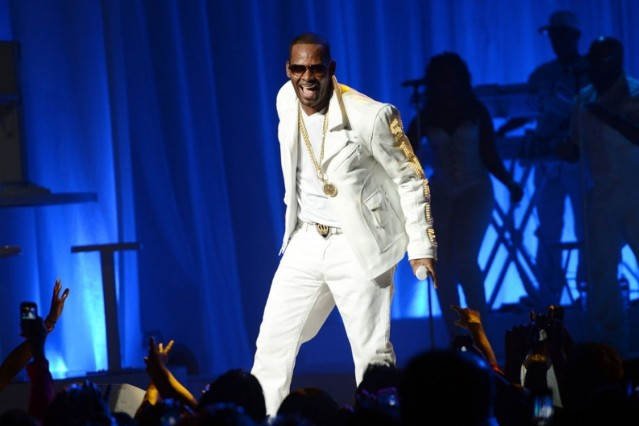 r. kelly, bonnaroo