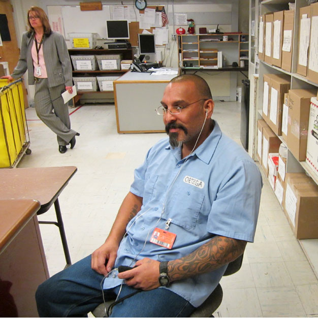 Inmate Richard Ortega and Warden Terema Carlin at the Idaho Correctional Institution / Photo by David Peisner