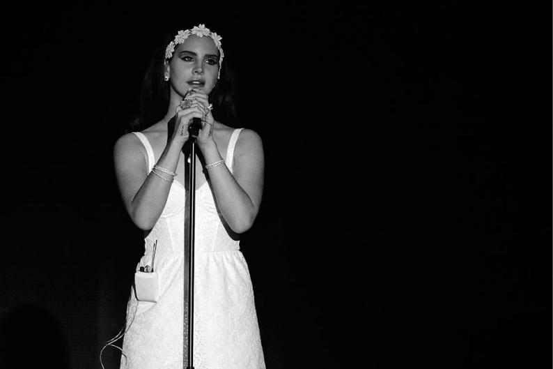 Lana Del Rey Queen of Disaster stream