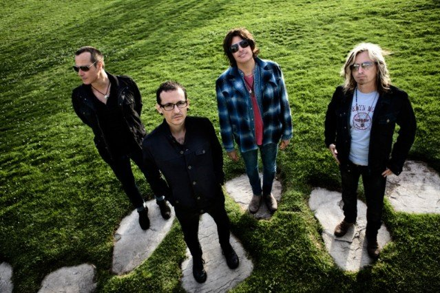Stone Temple Pilots Chester Bennington 'Out of Time'