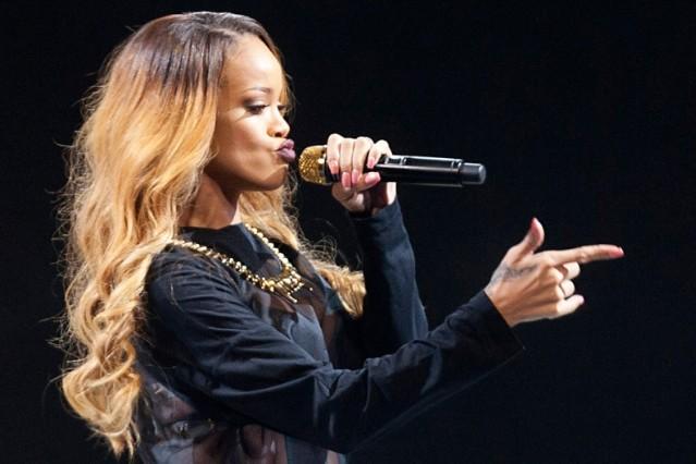 Rihanna Unapologetic Six Million Sales Albums Wale Bad Remix