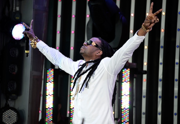 2 Chainz, two arms.