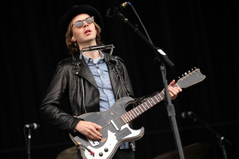 Beck 'Defriended' New Albums Acoustic Studio Independent