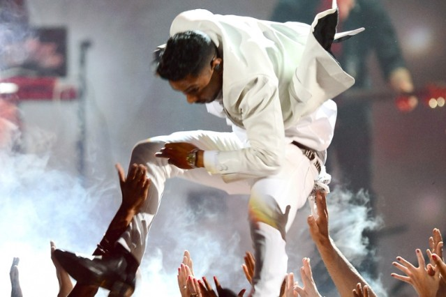 Miguel Leg Drop Brain Damage Lawsuit Billboard Music Awards