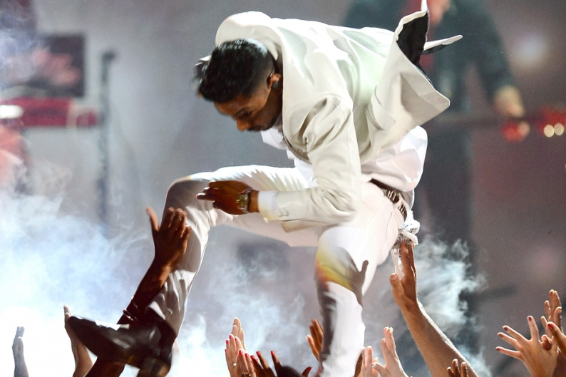Miguel Leg Drop Brain Damage Lawsuit Billboard Music Awards