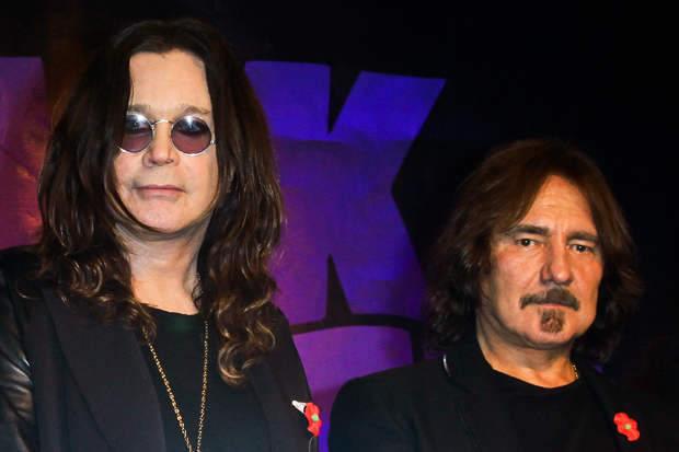 (L-R) Black Sabbath's Ozzy Osbourne and Geezer Butler