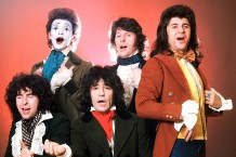 Sensational Alex Harvey Band in London, 1975 / Photo by Michael Putland/Getty