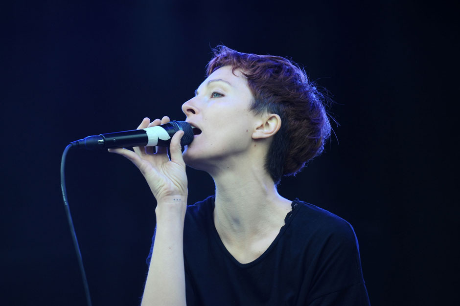 Polica | SPIN