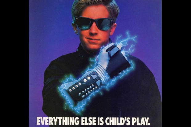 NINTENDO'S POWER GLOVE DON'T FIT (1990)