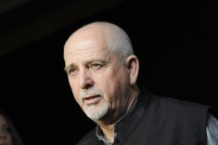 Peter Gabriel, 'And I'll Scratch Yours' covers compilation