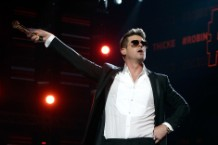 Robin Thicke's 'Blurred Lines' Is the Album Justin Timberlake Was Too Famous to Make