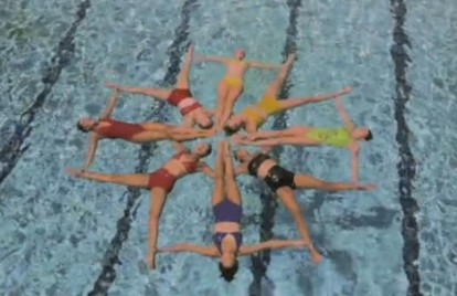 Hunters Have a Synchronized-Swimming 'Seizure' in New Video