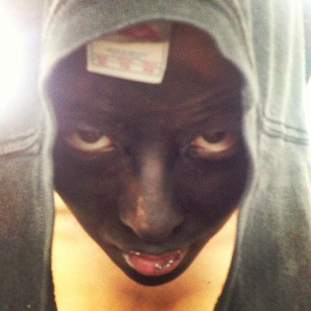 G-Dragon, Trayvon Martin, blackface, hoodie